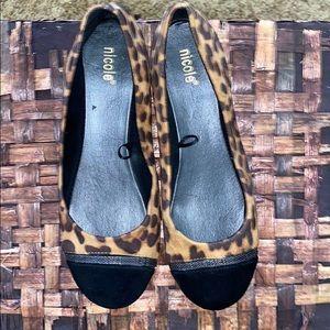 💛 Nicole 8.5 Leopard Ballet Bowie Suede Toe Flats